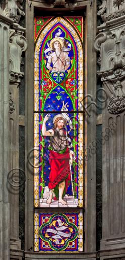 """Genova, Duomo (Cattedrale di S. Lorenzo), interno,  presbiterio: """"vetrata che rappresenta S. Giovanni Battista""""."""