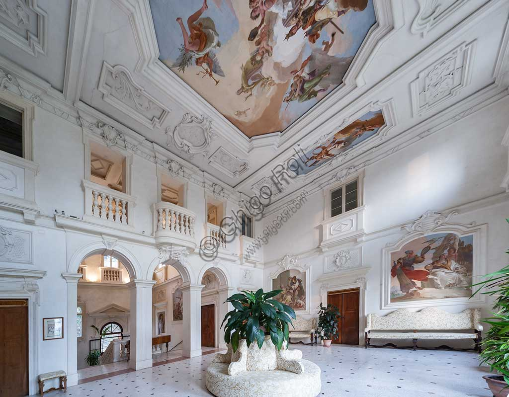 Villa Loschi  Motterle (formerly Zileri e Dal Verme): view of the hall of honour with allegorical frescoes by Giambattista Tiepolo (1734).