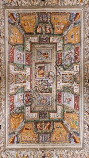 Parma, San Secondo, Rocca dei Rossi: il soffitto della Sala delle Gesta Rossiane. Al centro: Pier Maria Rossi riceve la decorazione dell'Ordine di S.Michele. Affreschi di Cesare Baglione, Jacopo Bertoia  e altri ca. 1570.