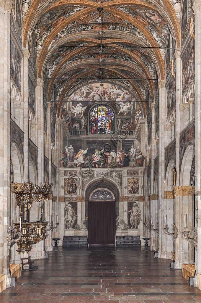 Parma, Duomo (Cattedrale di Sana Maria Assunta): navata centrale e controfacciata.