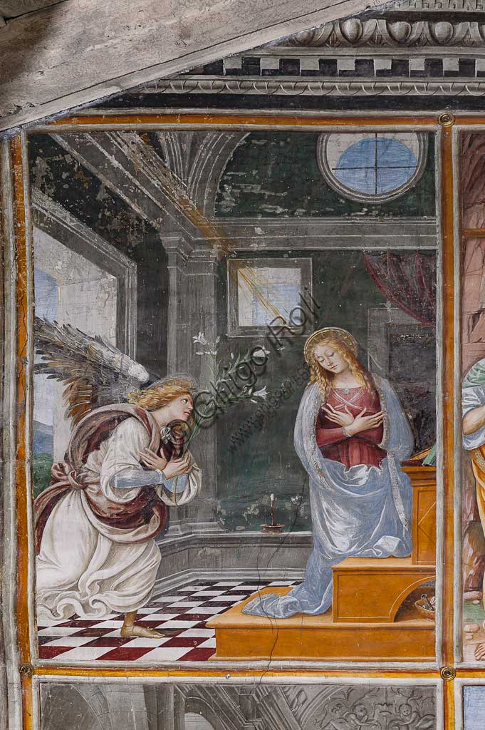 "Varallo Sesia, Church of Santa Maria delle Grazie: frescoes of the Gaudenzio Ferrari wall ""The life and the Passion of Christ"", by Gaudenzio Ferrari, 1513. Detail of ""The Annunciation""."