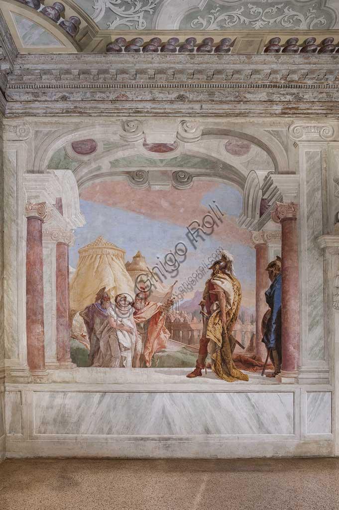 """Vicenza, Villa Valmarana ai Nani, Palazzina: veduta della prima stanza con episodi tratti dall'Iliade: """"Briseide viene condotta al cospetto di Agamennone"""". Affreschi di Giambattista Tiepolo, 1756 - 1757."""
