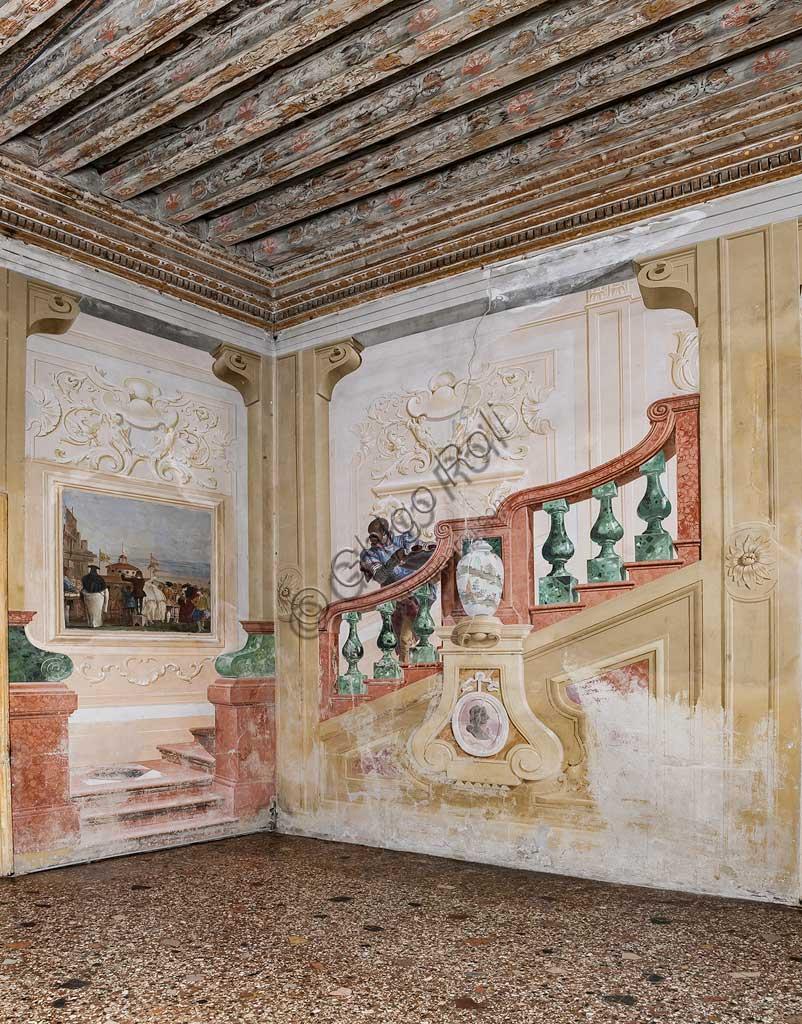 """VIicenza, Villa Valmarana ai Nani, Foresteria, Stanza delle scene carnevalesche: """"Servo Moro sul finto scalone"""". Affreschi di Giandomenico Tiepolo, 1757."""