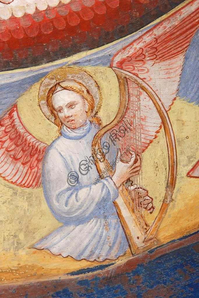 """Rocca di Vignola, Cappella Contrari, parete   orientale: """"Ascensione di Cristo"""". Affresco del Maestro di Vignola, anni Venti del Quattrocento.Particolare con angelo musicante che suona l'arpa."""