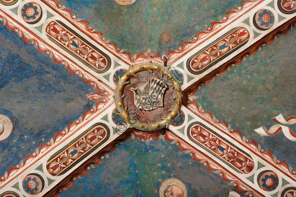 Vignola Stronghold, the Contrari Chapel: the emblem of Uguccione Contrari at the centre of the vault.