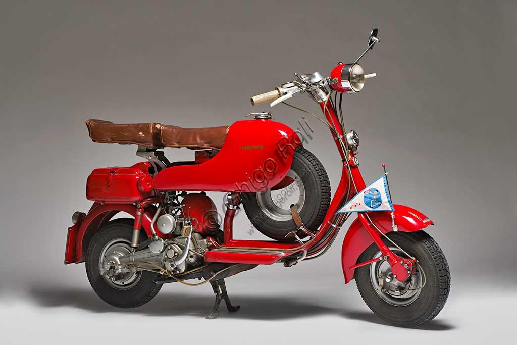 Ancient Motorbike Lambretta  D Sport. Scooter.