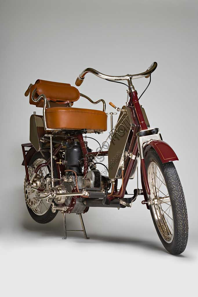 Ancient Motorbike Auto - Fauteuil. Scooter.