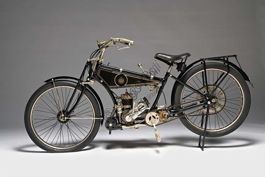Ancient Motorbike Benelli 125