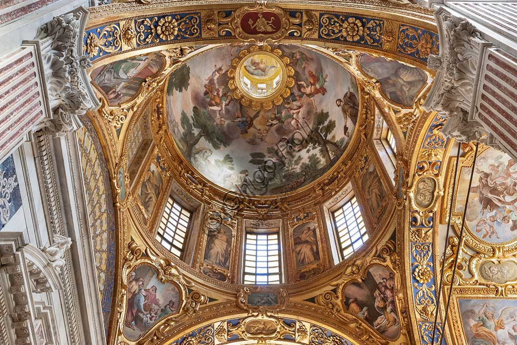 Genoa, Basilica of SS. Annunziata del Vastato, the chapter on the right of the greatest one: the dome with frescoes by Giovanni Battista Carlone.