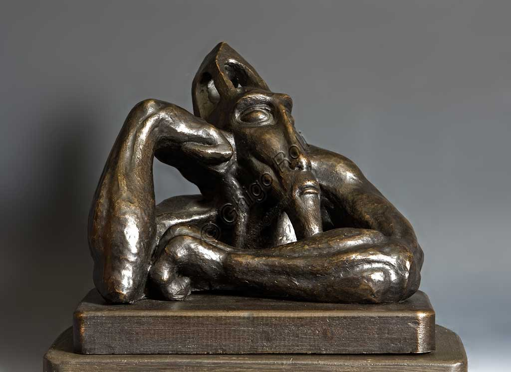 """Collezione Assicoop Unipol: Mac Mazzieri (1947 - 1988), """"L'Arabo antico"""". Bronzo, h cm 26."""
