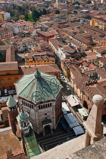 Cremona: aerial view of the town from the top of Torrazzo. Downwards, the Baptistery.