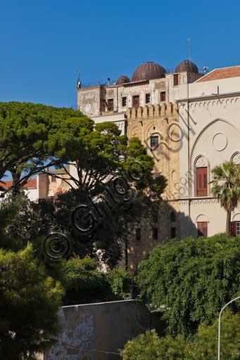 Palermo, Palazzo Reale o Palazzo dei Normanni: veduta del lato Sud Ovest con i giardini pensili del Bastione di S. Pietro.