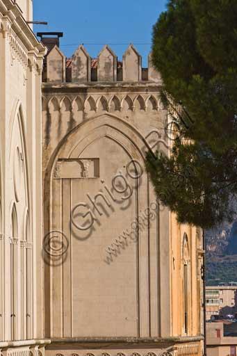 Palermo, Palazzo Reale o Palazzo dei Normanni, lato sud ovest: dettaglio architettonico.