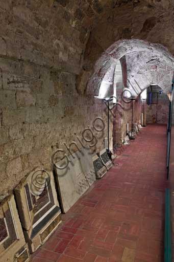 Palermo, Palazzo Reale o Palazzo dei Normanni,  Cappella Palatina (Basilica), Cripta (Chiesa Inferiore): corridoio.
