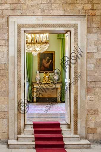 Palermo, Palazzo Reale o Palazzo dei Normanni, Torre Joharia, Sala dei Venti: veduta. Particolare di una porta.