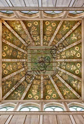 Palermo, Palazzo Reale o Palazzo dei Normanni, Torre Joharia, Sala dei Venti: cuspide lignea con al centro la Rosa dei Venti.