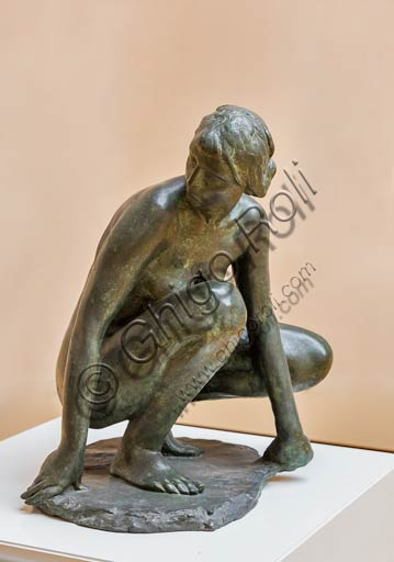 "Piacenza, Galleria Ricci Oddi: ""Susanna"" (1910), bronzo di Giuseppe Graziosi (1879 - 1942)."