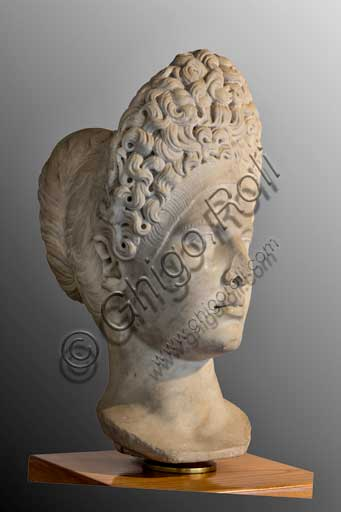Fiesole, Archaeological Museum: portrait of unknown woman, characterised by a rich hairdo, and traditionally identified as Vibia Sabina (Trajan age, II century a.C.).