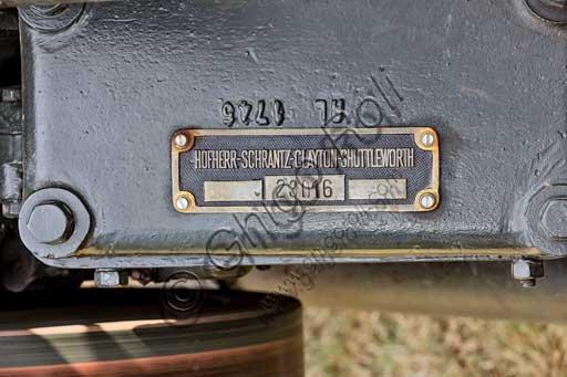 Trattore d'epoca. Particolare.Marca: HSCS (Hofherr - Schrantz - Clayton - Shuttleworth)Modello: K44-48Anno: 1938 - 1942Alimentazione: olio pesante e gasolioNumero cilindri: Cilindrata: 10.600 ccPotenza: CV 44 alla ruota e 48 alla trazioneCaratteristiche: ciclo diesel 2 tempi. Usato nella Seconda Guerra Mondiale per tirare i cannoni, ma poi abbandonato perché fa un rumore troppo forte e segnalava il mezzo ai nemici.