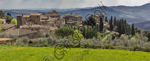 Radda in Chianti, Volpaia: view of the hamlet and the surrounding countryside.