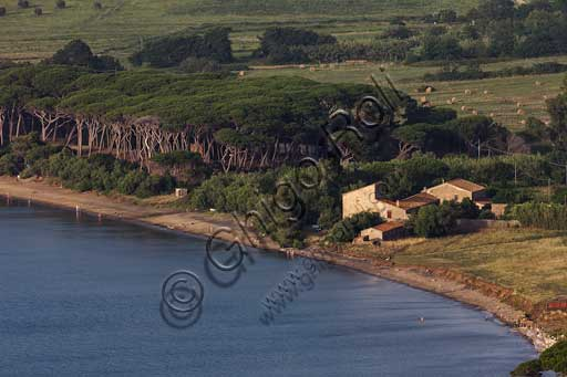 The Baratti Gulf: farmhouse in the vicinity of St. Cerbone Spring.