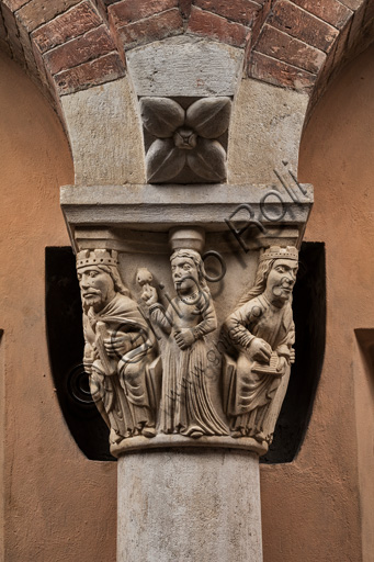 Modena, Ghirlandina Tower, Torresani Hall, east wall: the capital of King David or of dance and music. Campionese Masters, XII - XIII century.