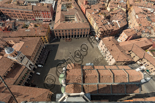 Modena: view of Piazza Grande, the Duomo (Cathedral) and the Municipal Tower form the Ghirlandina Tower.