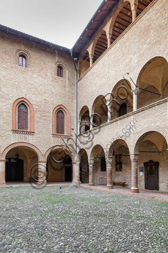 Fontanellato, Rocca Sanvitale: the courtyard.