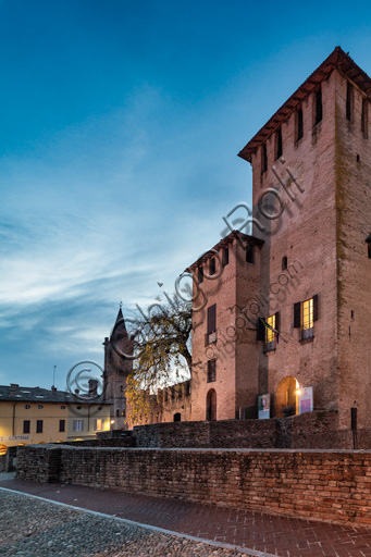 Fontanellato, Rocca Sanvitale: night view of the fortress.