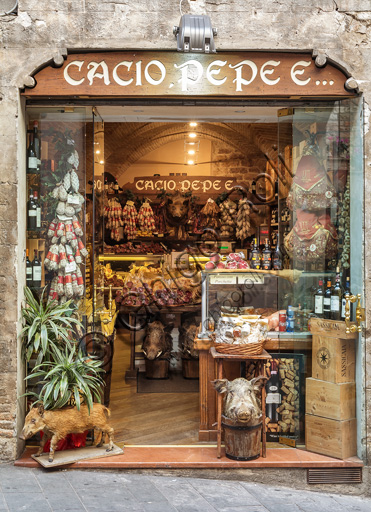 "Assisi, historical centre: shop of typical products of Umbria ""Cacio, pepe e...""."
