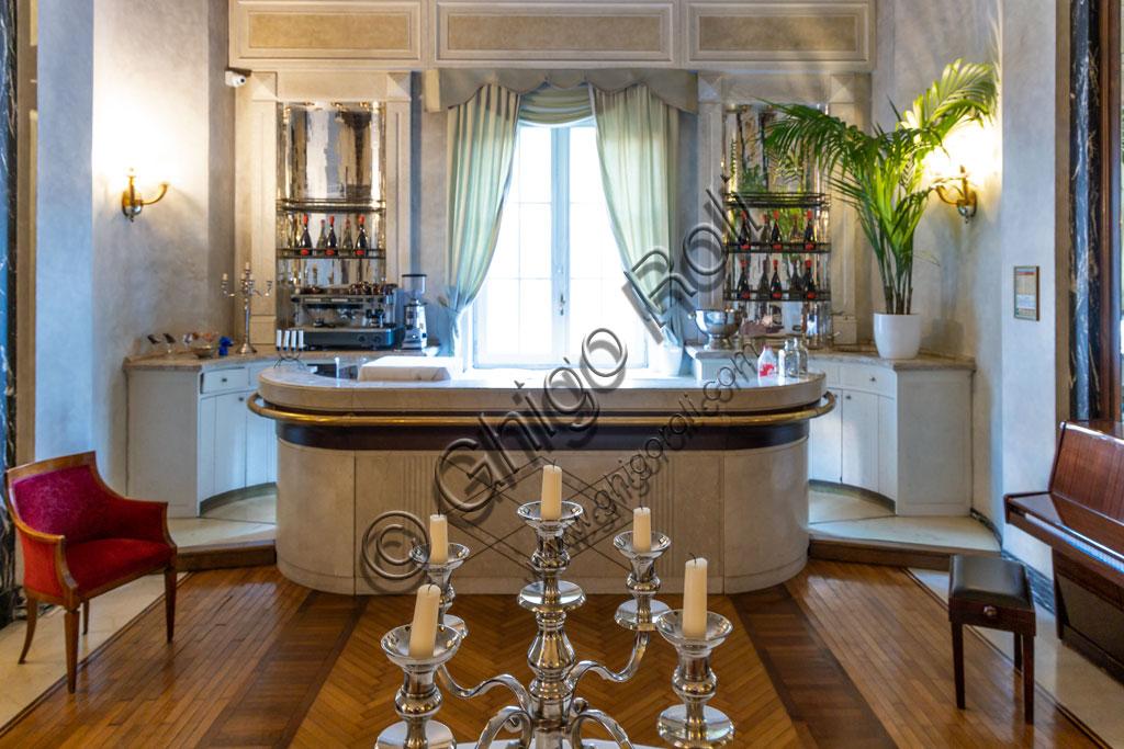 Brescia, Hotel Vittoria: saletta del bar.