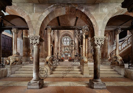 Modena, the Duomo (Cathedral of S. Maria Assunta and S. Geminiano): the nave and the counter-façade seen from the crypt.